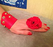 Украшения ручной работы. Ярмарка Мастеров - ручная работа Кольцо с цветком из кожи ярко-красное. Handmade.