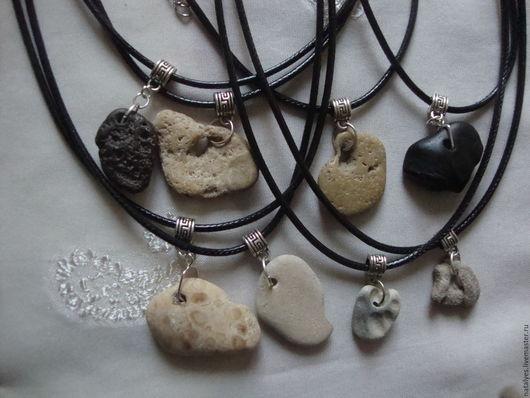 Кулоны, подвески ручной работы. Ярмарка Мастеров - ручная работа. Купить Куриный бог, морской камень, натуральный камень. Handmade.