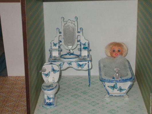"""Кукольный дом ручной работы. Ярмарка Мастеров - ручная работа. Купить Кукольная мебель, мебель для ванной,""""Розочки и бабочки"""", декупаж.. Handmade."""