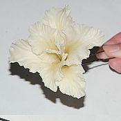 """Свадебный салон ручной работы. Ярмарка Мастеров - ручная работа """" Цветок гладиолуса"""" на шпильке. Handmade."""