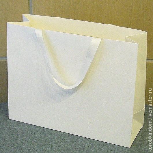 Упаковка ручной работы. Ярмарка Мастеров - ручная работа. Купить Сумка картонная 45х35х15 кремовая с ручками из лент. Handmade. Пакет
