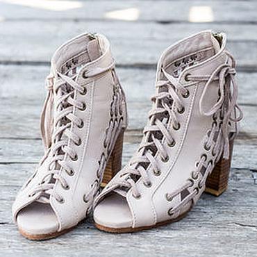 Обувь ручной работы. Ярмарка Мастеров - ручная работа Летние кожаные ботинки на каблуке Mia. Готовая работа, размер 38. Handmade.