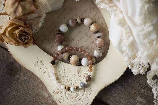 """Браслеты ручной работы. Ярмарка Мастеров - ручная работа. Купить Комплект браслетов """"Крем-карамель"""". Handmade. Кремовый, браслет из камней"""