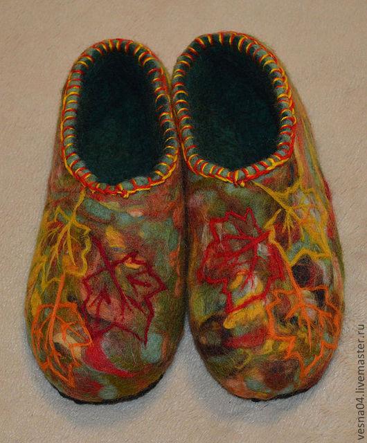 """Обувь ручной работы. Ярмарка Мастеров - ручная работа. Купить Валяные вручную тапочки """" Осенний вальс Бостон """". Handmade."""