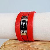 Браслет из бусин ручной работы. Ярмарка Мастеров - ручная работа Красный браслет кожаный красно-черный. Handmade.