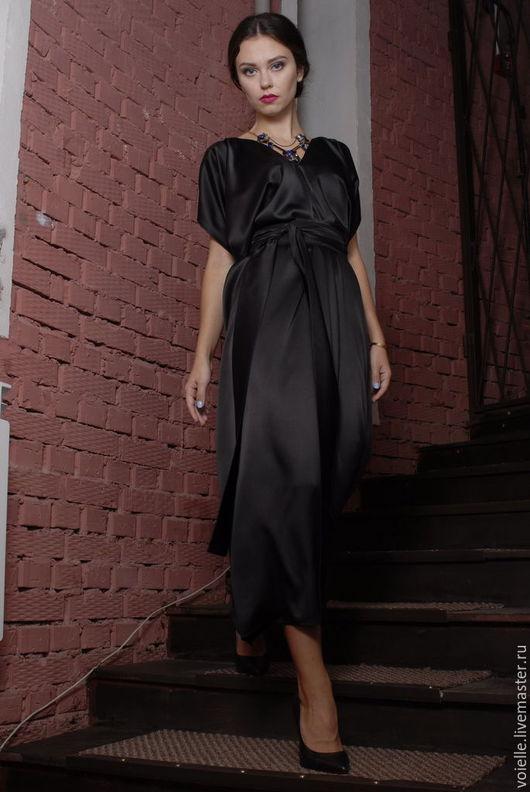 Платье длинное в пол черное из атласа, вискозы нарядное свободного кроя комфортное для полных, для нестандартной фигуры, удобное, красивое, эффектное, необычное дизайнерское платье большой размер