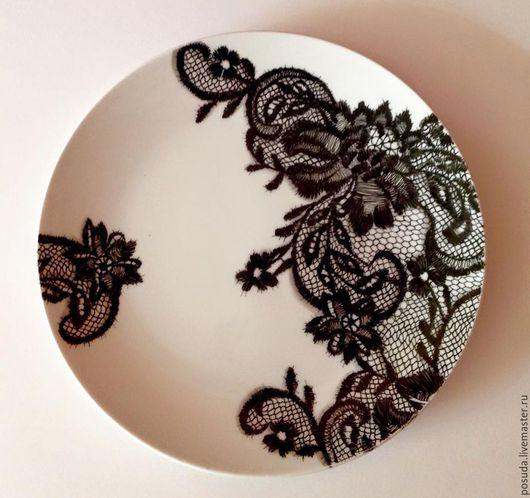 """Тарелки ручной работы. Ярмарка Мастеров - ручная работа. Купить тарелка  """"Кружево на фарфоре"""". Handmade. Чёрно-белый, тарелка с росписью"""