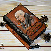 Подарки к праздникам ручной работы. Ярмарка Мастеров - ручная работа Коллекционная подарочная книга в коже Толкин биография. Handmade.