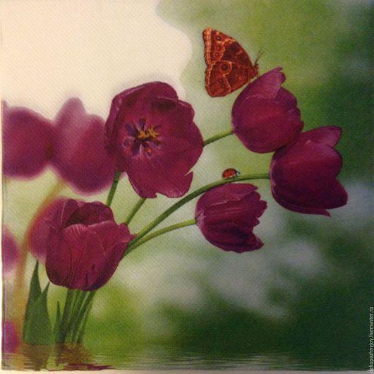 Салфетка для декупажа - страстные полевые маки (темно-фиолетовые) и бабочка Декупажная радость