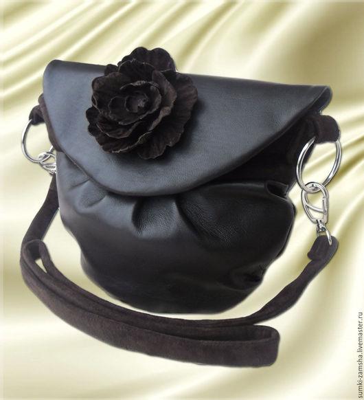 Женские сумки ручной работы. Ярмарка мастеров - ручная работа. Купить Кожаная сумка через плечо `Соната`. Красивая, маленькая, коричневая. Handmade. Сумка кожаная