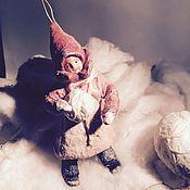 """Куклы и игрушки ручной работы. Ярмарка Мастеров - ручная работа Ватная елочная игрушка """"Девочка со снежком"""". Handmade."""