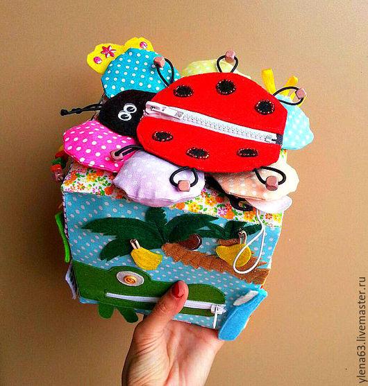 Развивающие игрушки ручной работы. Ярмарка Мастеров - ручная работа. Купить Развивающий кубик. Handmade. Комбинированный, развитие мелкой моторики