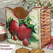 """Для дома и интерьера ручной работы. Ярмарка Мастеров - ручная работа салфетница """"Клубничное лукошко"""". Handmade."""