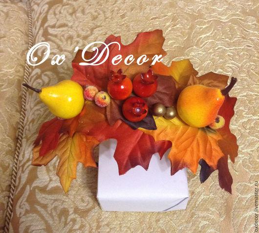 Диадемы, обручи ручной работы. Ярмарка Мастеров - ручная работа. Купить Золотая осень. Ободок с кленовыми листьями, ягодами шиповника и грушей. Handmade.