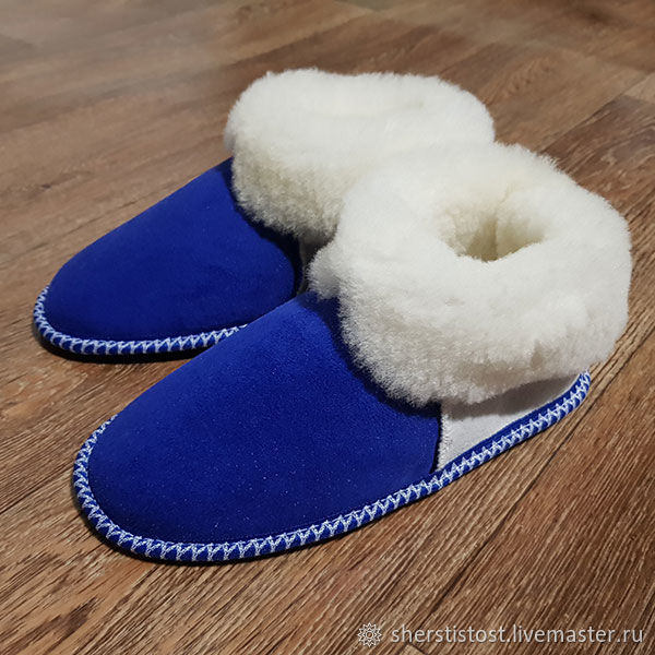 aff56a75d4e2f Shoes made of natural sheep fur – shop online on Livemaster with ...