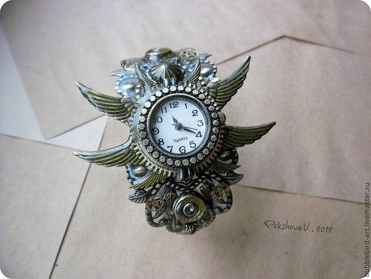 Часы ручной работы. Ярмарка Мастеров - ручная работа. Купить Наручные часы в стиле Steampunk. Handmade. Золотой, гильзы, заклёпка