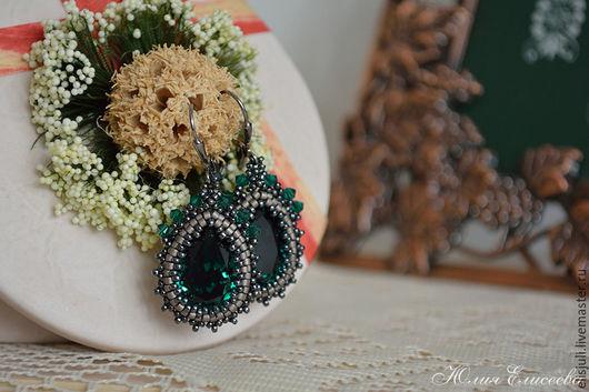 """Серьги ручной работы. Ярмарка Мастеров - ручная работа. Купить Серьги """"Изумрудная дымка"""" с кристаллами Сваровски цвета """"Emerald"""". Handmade."""
