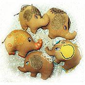 Куклы и игрушки ручной работы. Ярмарка Мастеров - ручная работа Слон - сувенир, подвеска, брелок, фигурка, интерьерная игрушка. Handmade.