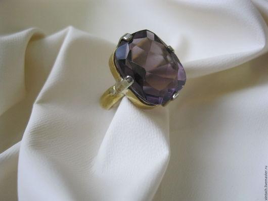 Винтажные украшения. Ярмарка Мастеров - ручная работа. Купить Винтажное кольцо  из серебряного сплава с покрытием под золото.Крупный. Handmade.