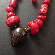 """Украшения ручной работы. Ярмарка Мастеров - ручная работа Колье """"Волчья ягода"""" с кораллами и орехом. Handmade."""