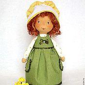 Куклы и игрушки ручной работы. Ярмарка Мастеров - ручная работа текстильная кукла Kitty - с веснушками  и в чепчике. Handmade.