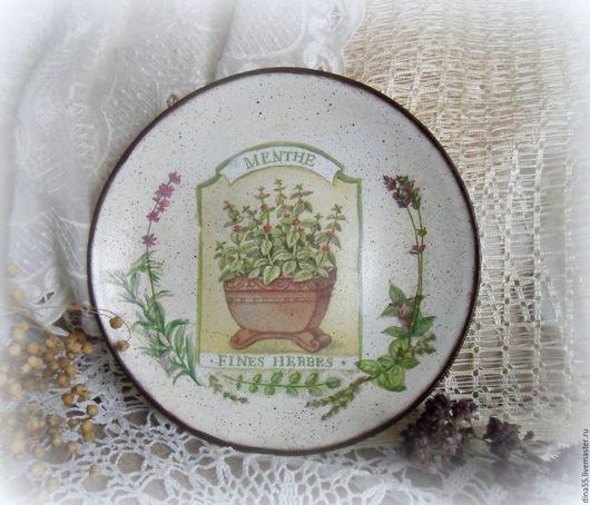 Тарелки ручной работы. Ярмарка Мастеров - ручная работа. Купить декоративная тарелка Травы прованса. Handmade. Бежевый, розмарин