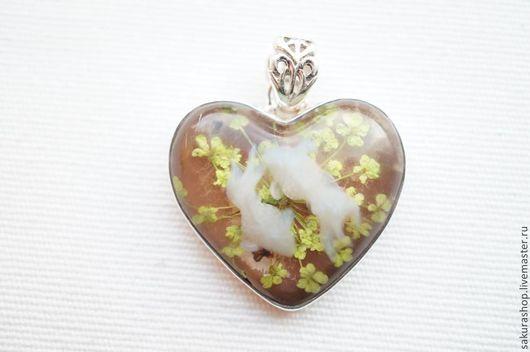 Для украшений ручной работы. Ярмарка Мастеров - ручная работа. Купить Кулон натуральный цветок в акриле в серебре 35х29мм. Handmade.