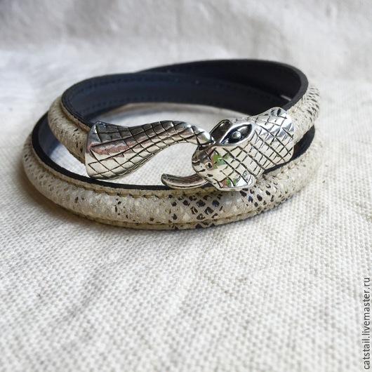 """Браслеты ручной работы. Ярмарка Мастеров - ручная работа. Купить Браслет """"Змейка"""". Handmade. Белый, кожаный браслет, кожаный шнур"""