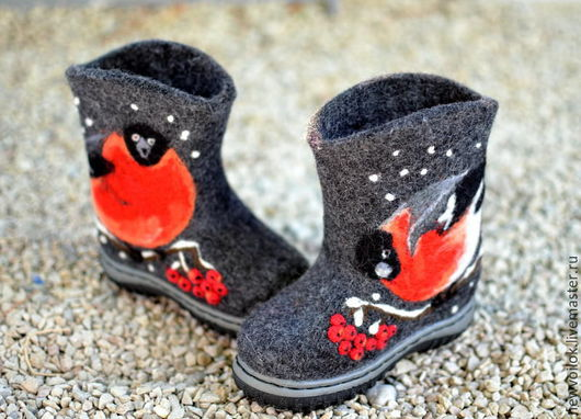 Валяная обувь. Валенки Снегири. NewVoilok. Ярмарка мастеров. Обувь валяная, обувь детская, валяный.