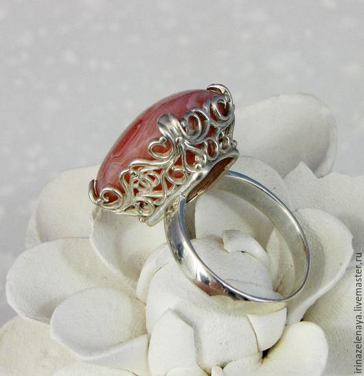 Красивое серебряное кольцо `Фантазия` с персиковым агатом. Кольцо с агатом в серебре 925. Персиковый агат. Магазин IrinaZelenaya. Ярмарка Мастеров.