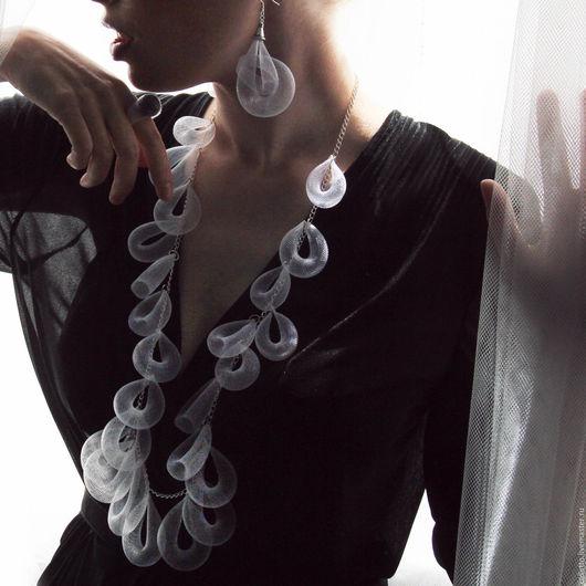 """Колье, бусы ручной работы. Ярмарка Мастеров - ручная работа. Купить Ожерелье """"Аура"""". Handmade. Белый, воздух, прозрачные украшения"""