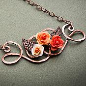 Украшения ручной работы. Ярмарка Мастеров - ручная работа Кулон с чайными розами - медь, полимерная глина. Handmade.