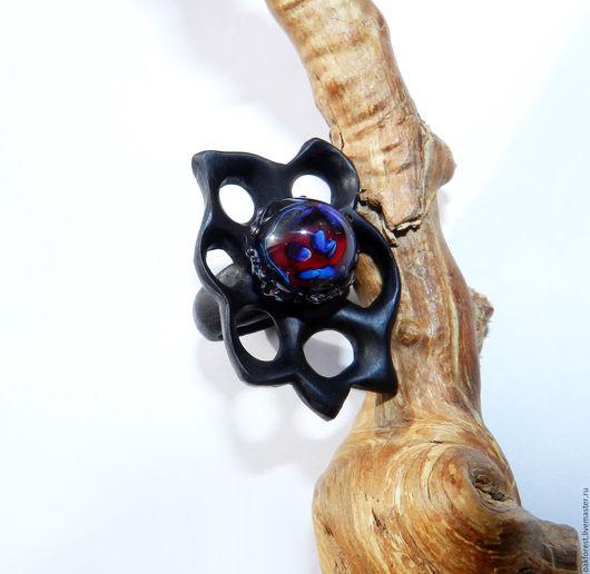Кольца ручной работы. Ярмарка Мастеров - ручная работа. Купить Кольцо из дерева с авторской бусиной из стекла (эбен). Handmade.