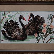 """Картины и панно ручной работы. Ярмарка Мастеров - ручная работа Вышитая картина крестом """"Черные лебеди"""". Handmade."""