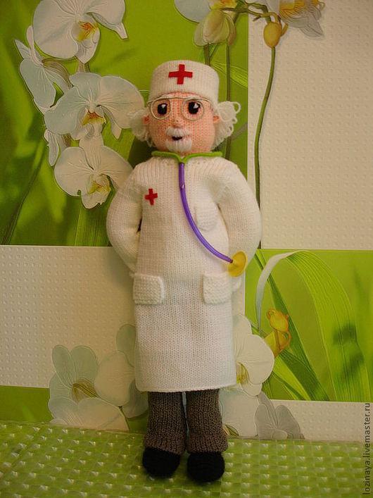 Коллекционные куклы ручной работы. Ярмарка Мастеров - ручная работа. Купить Доктор Айболит. Handmade. Вязаные куклы, человечки