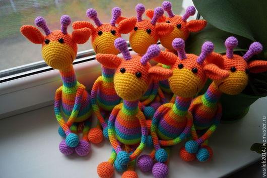 Игрушки животные, ручной работы. Ярмарка Мастеров - ручная работа. Купить Радужный Жираф. Handmade. Вязаная игрушка, погремушка вязаная