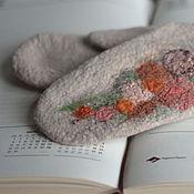 Аксессуары ручной работы. Ярмарка Мастеров - ручная работа Варежки с цветами, бежевые варежки, оранжевый и шоколад. Handmade.