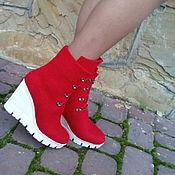 Обувь ручной работы. Ярмарка Мастеров - ручная работа Сапоги зимние на белой платформе Алые. Handmade.