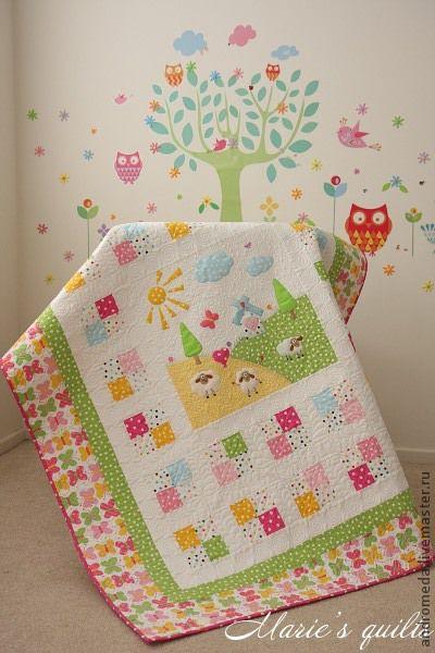 """Детское лоскутное одеяло """"Пастораль 3"""". Авторский дизайн. Художественная машинная стежка и аппликация. Кокина Мария. Ярмарка Мастеров. Общий вид работы."""