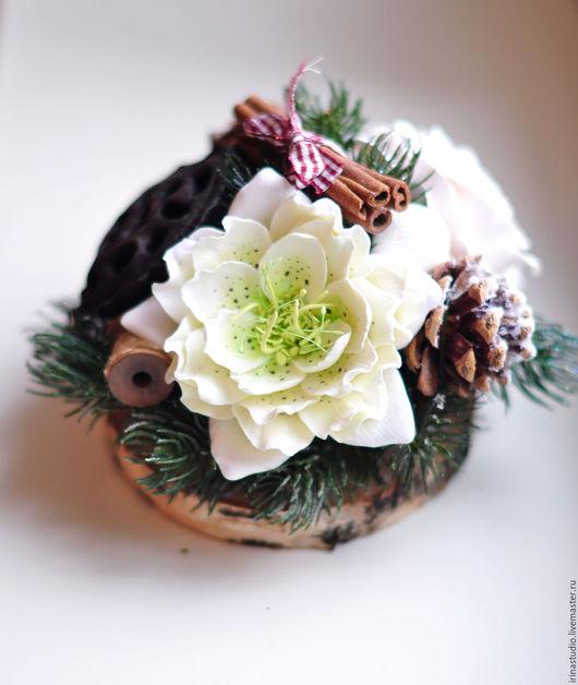 Интерьерные композиции ручной работы. Ярмарка Мастеров - ручная работа. Купить Новогодняя композиция с морозником. Handmade. Разноцветный, роза