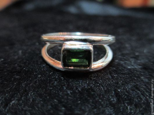 Кольца ручной работы. Ярмарка Мастеров - ручная работа. Купить Авторское кольцо с турмалином с о. Цейлон. Handmade. Зеленый