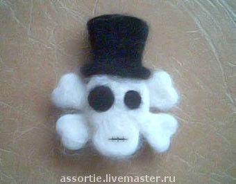 """Подарки на Хэллоуин ручной работы. Ярмарка Мастеров - ручная работа. Купить Брошь """"Черепушка"""". Handmade. Черепушка, войлочная брошь"""