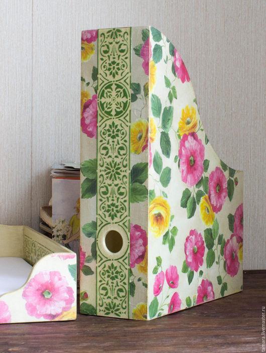 Деревянный комплект для рабочего стола. Красивые розовые и желтые цветы, цветочный мотив. Подарок школьнице.