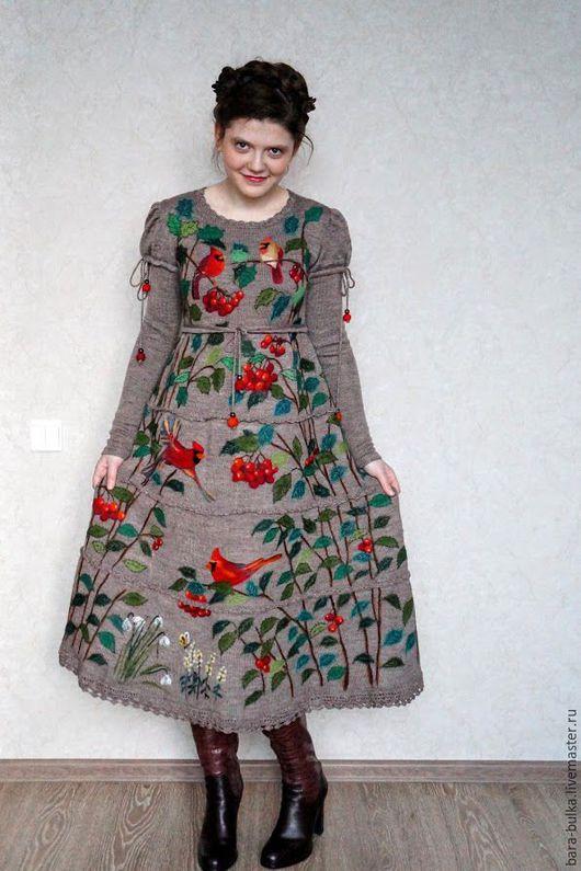 """Платья ручной работы. Ярмарка Мастеров - ручная работа. Купить Платье """"Кардиналы на бежевом"""". Handmade. Бежевый, рисунок, кардинал"""