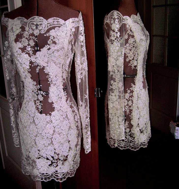 Как сшить короткое платье из кружева с