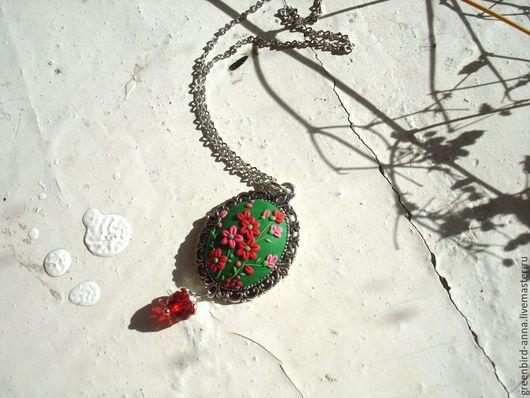 Кулоны, подвески ручной работы. Ярмарка Мастеров - ручная работа. Купить Кулон Цветочный узор. Handmade. Зеленый, филигрань, подарок