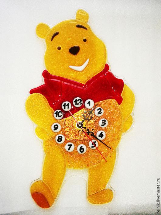 """Часы для дома ручной работы. Ярмарка Мастеров - ручная работа. Купить Часы из стекла """"Винни Пух"""".. Handmade. Разноцветный"""