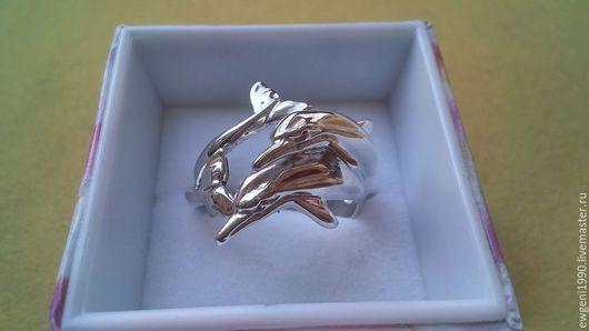 Кольца ручной работы. Ярмарка Мастеров - ручная работа. Купить Кольцо дельфины .. Handmade. Серебряный, красивое кольцо, рыбки
