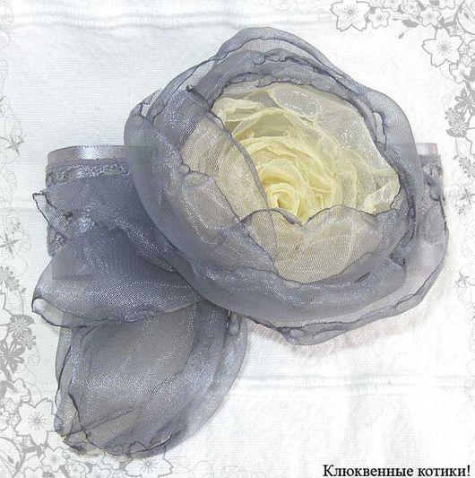 """Броши ручной работы. Ярмарка Мастеров - ручная работа. Купить Брошь-цветок """"Свеча в сумерках"""". Handmade. Брошь, серый цвет"""
