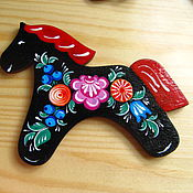 Сувениры и подарки ручной работы. Ярмарка Мастеров - ручная работа Магнитик Весёлые лошадки с красной гривой. Handmade.